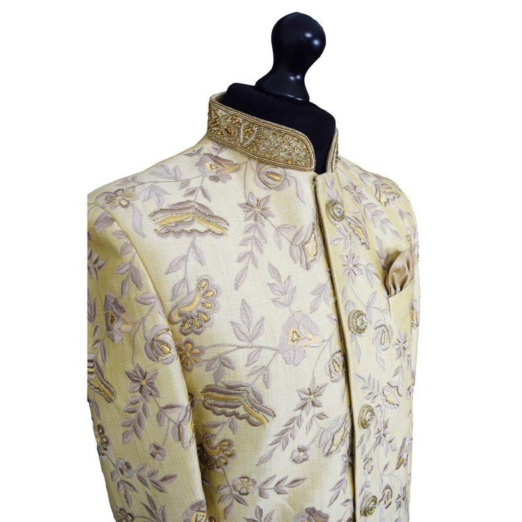 Luxurious embroidered beige sherwani. Size XL - GR12