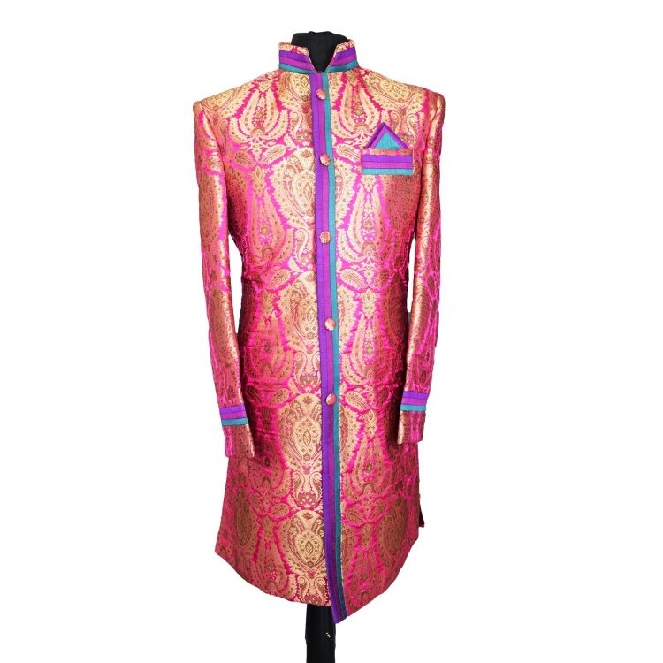 Indian Men's Elegant Classic Pink Sherwani Wedding Outfit. Size L - GR9